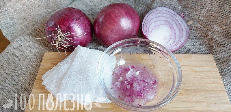 Кашица из репчатого лука, марлевые салфетки и целые луковицы