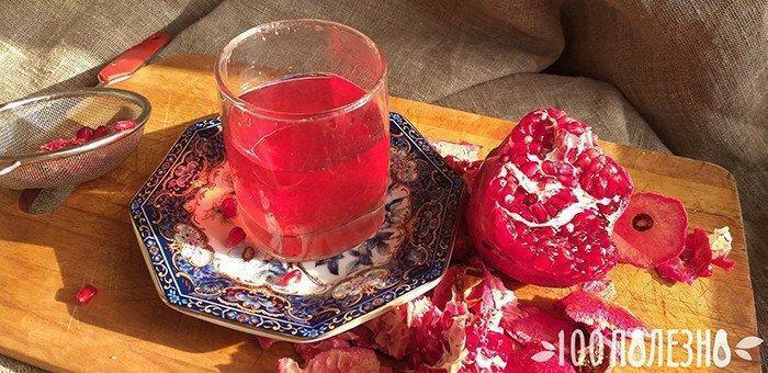 гранатовый сок в стакане