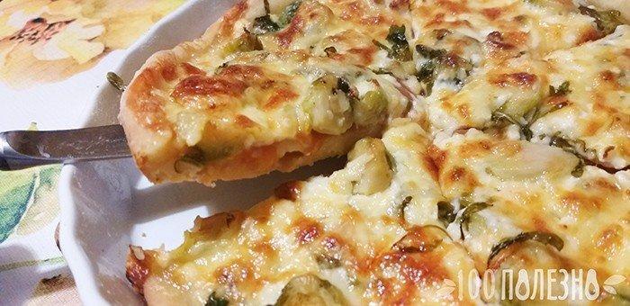пицца с брюссельской капустой и рукколой