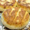 Как приготовить сырники из творога на сковороде – простой рецепт, который на 100% получится