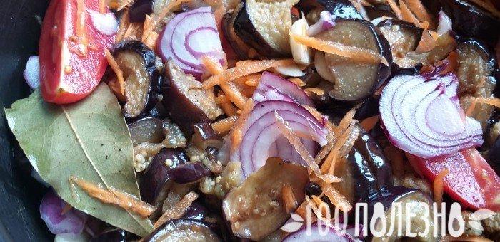 синенькие с овощами в маринаде