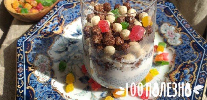 пудинг с чиа, цукатами и шоколадными шариками