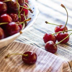 Польза вишни для здоровья женщины, состав, целебные свойства