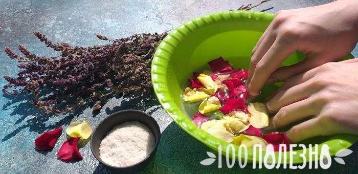 ванночка для укрепления ногтей с лепестками роз